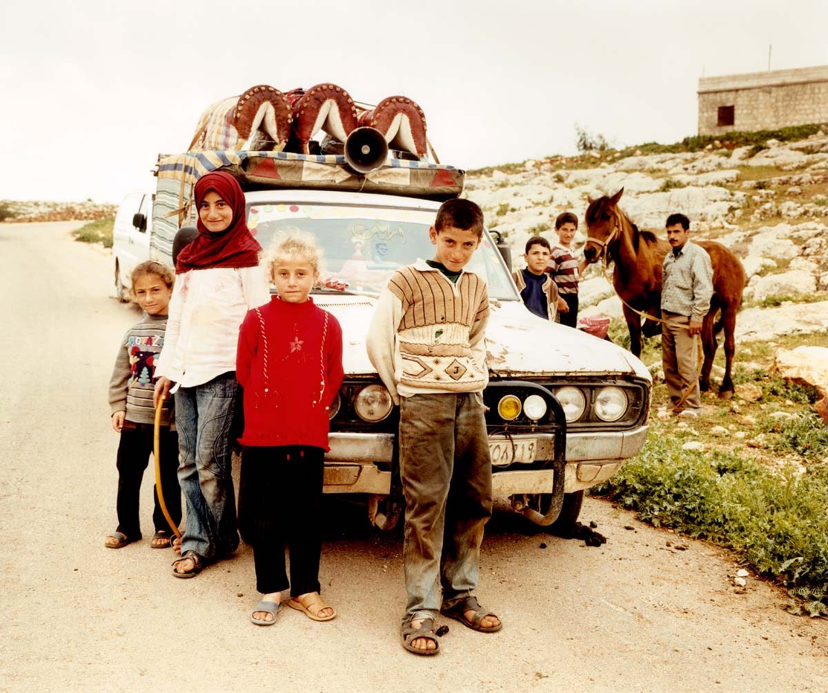 car-children-syria